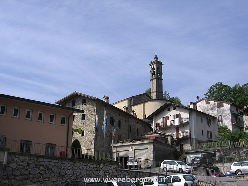 Paese di Bracca Bassa Val Brembana Comune di Bergamo Provincia bergamasca informazioni