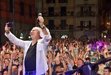 Selfie Jerry Calà Sarnico Bg