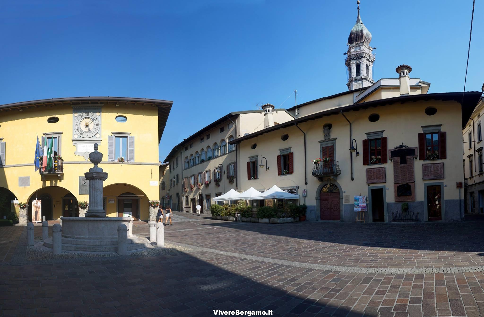 Piazza Gandino. Foto by Carlo Picinali