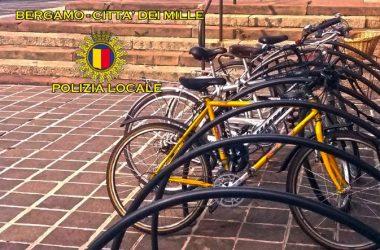 Ottima iniziativa, la polizia locale di Bergamo crea pagina facebook per recuperare biciclette e oggetti ritrovati