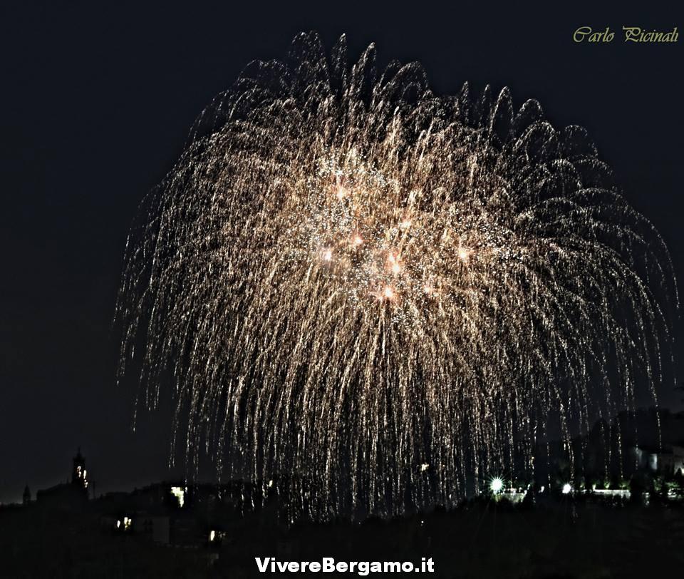 Immagini Fuochi stadio 2016 Borgo santa Caterina Bergamo