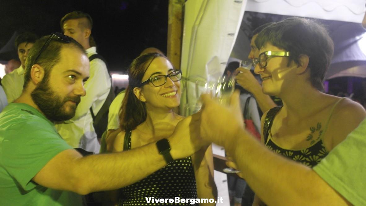 Ragazzi a Vino umano, Bergamo