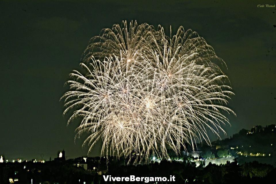 Spettacolo 2016 Fuochi stadio 2016 Borgo santa Caterina Bergamo