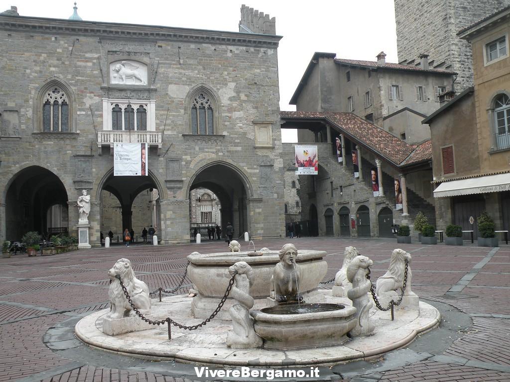 Fontana Contarini Piazza Vecchia